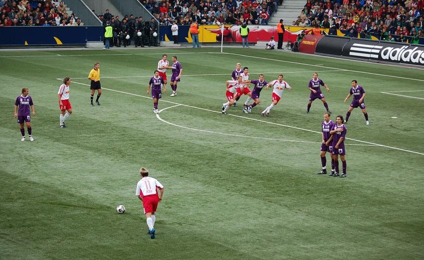 Take Free Kicks In Soccer